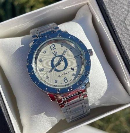 Стильные новые часы