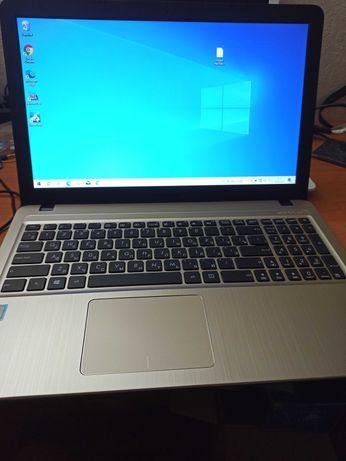 Asus R540U \ i3 6006U\8GB RAM DDR4 \HDD320\ батарея 3 години