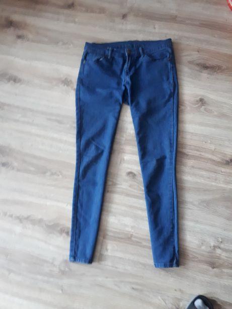 Sprzedam spodnie rurki jeansy dżinsy