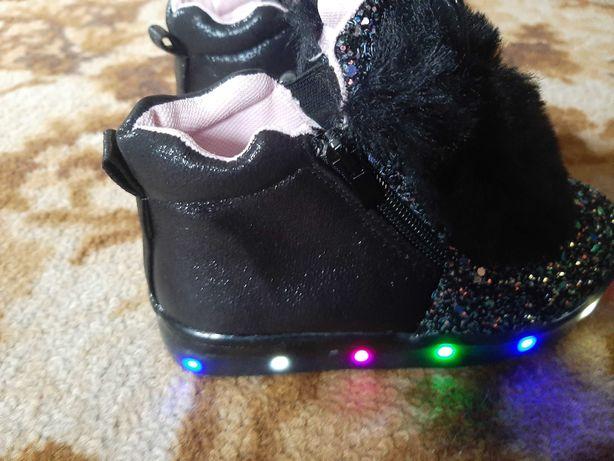 Buty botku króliczki swiecące
