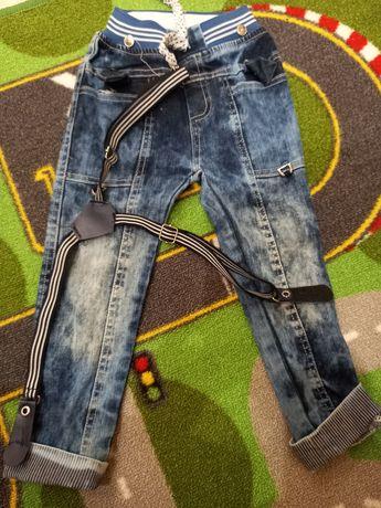 Детские джинсы на 3 годика
