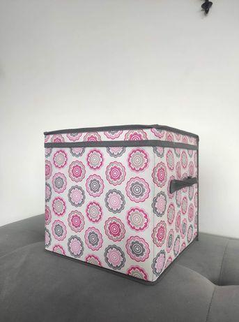 Pudełka z pokrywką 29x29x 28 wysokość