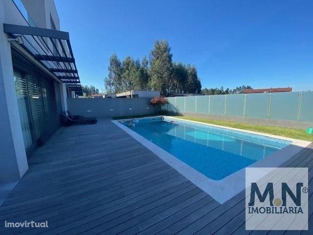 Moradia de luxo c/ piscina em Lobão