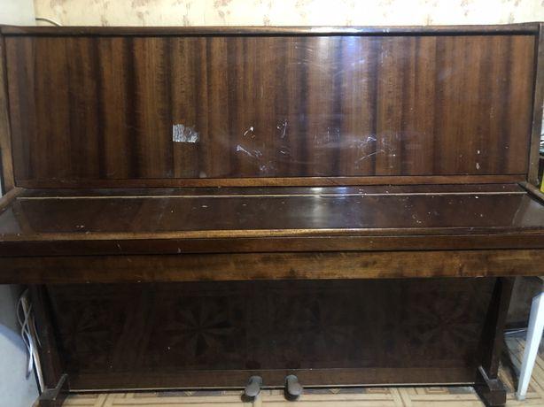 Отдам старенькое пианино «Украина»