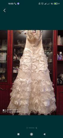 Отдам бесплатно свадебное платье