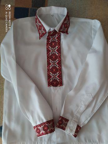 Вышиванка 3-4 года для мальчика рубашка сорочка вышитая