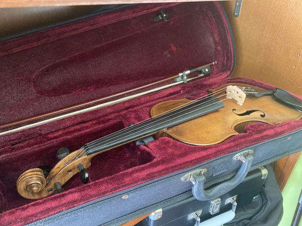 Violino 4/4 no interior: David Techler 1722
