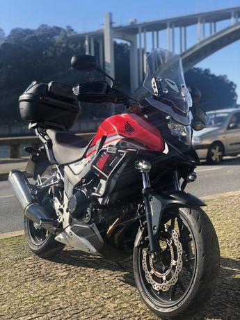 Honda CB 500 X vermelha