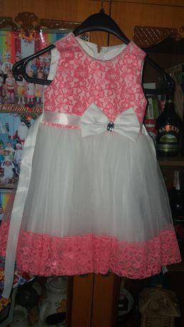 Платье нарядное на девочку 2 3 года