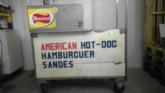 atrelado para venda de hot-dog/ cachorro quente
