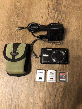 Aparat fotograficzny Nikon Coolpix S3400 + karta, etui, akumulator