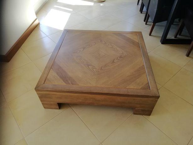 Stolik drewniany do salonu