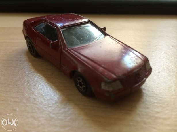 Brinquedo ... Mercedes Benz 500 SL ... Esc 1:64 ... Usado ...