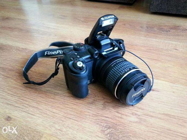 Aparat Finepix S9500