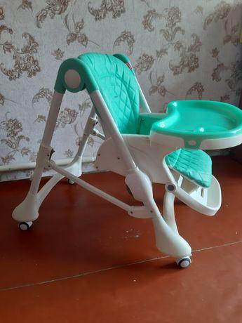 Продам стул для кормления .