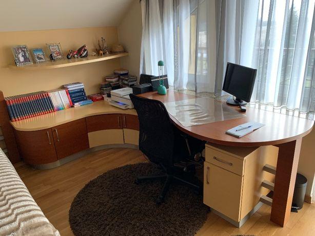 Pokój młodzieżowy - biurko, szafa