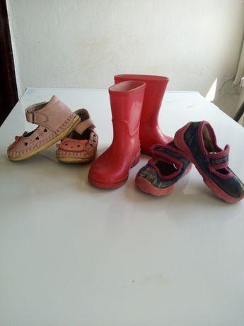 резиновые сапожки, пинетки сандали, тапочки, босоножки