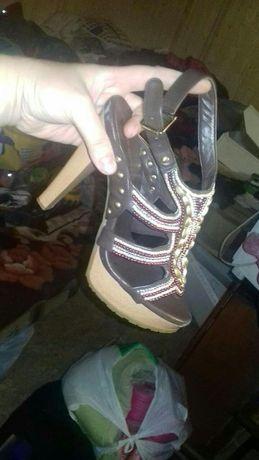 Взуття дешево