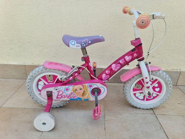 Bicicleta Barbie menina criança estrada cidade