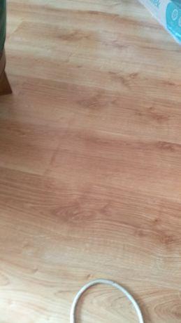 Panele podłogowe jasny dąb