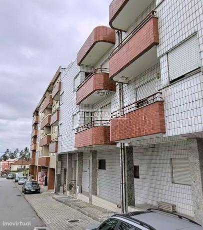 Apartamento T2 Transformado em T3 - SANGUEDO