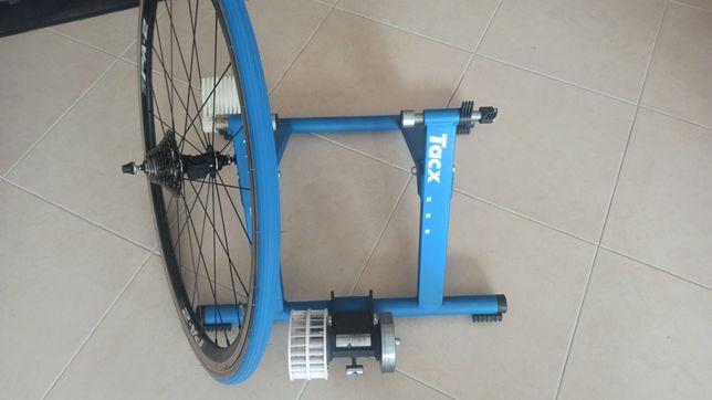 Rolo de treino tacx com roda