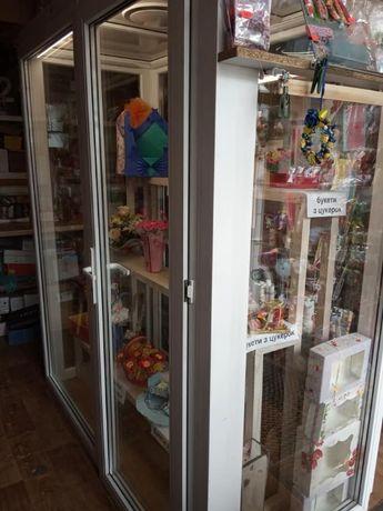 Холодильник камера вітрина для квітів, мобільний, прозорі склопакети