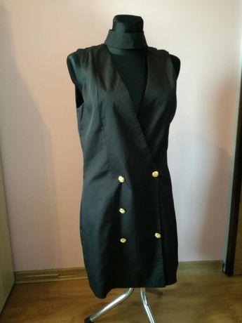 Sukienka z chokerem i złotymi guzikami Missguided Cena oryginalna 60€
