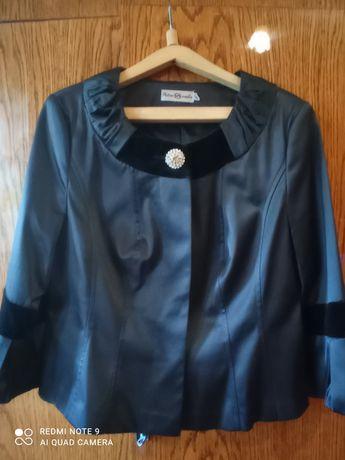 Продам нарядный женский костюм 50 размер.