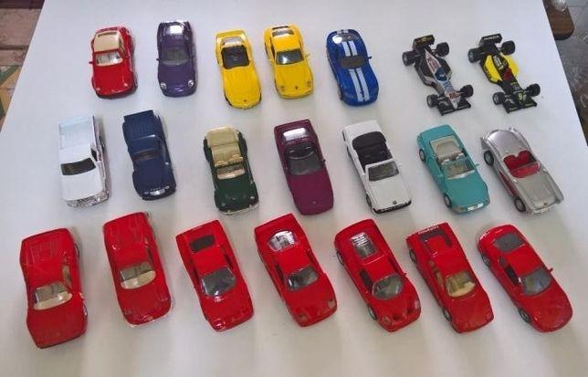 21 Carros em miniatura
