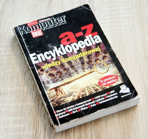KOMPUTER ŚWIAT biblioteczka 3 sztuki komplet