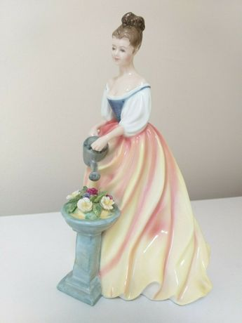 Estatueta Royal Doulton 'Alexandra' HN3286