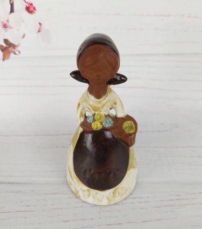 """Колокольчик """"Девочка с цветами"""". Керамика."""