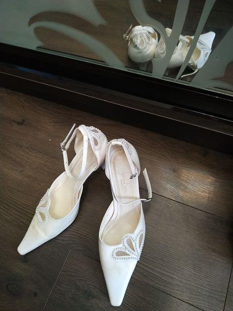 Туфли босоножки 38 - 39р. нарядные белые