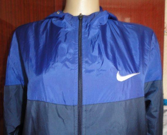 Стильная мужская ветровка Nike, размер L.