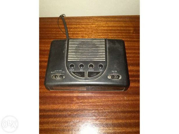 Rádio despertador mesa de cabeceira