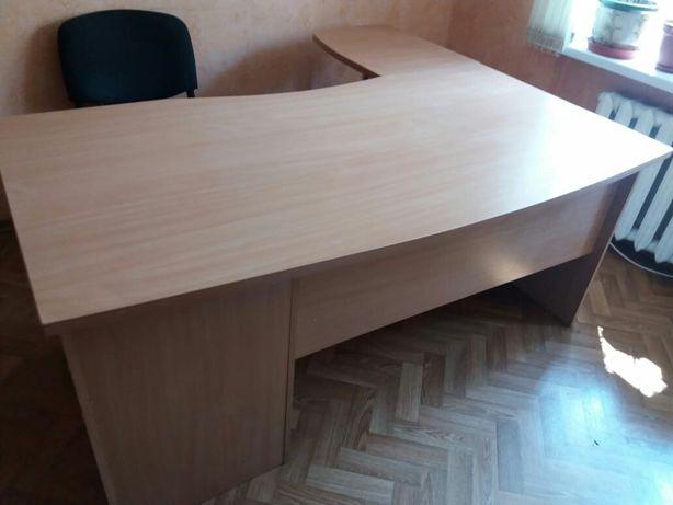 Стол руководителя 1.70 × 1.50