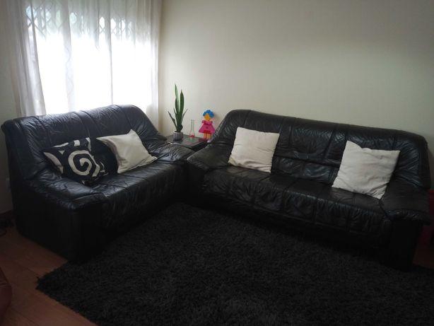 Conjunto sofás em Pele genuína