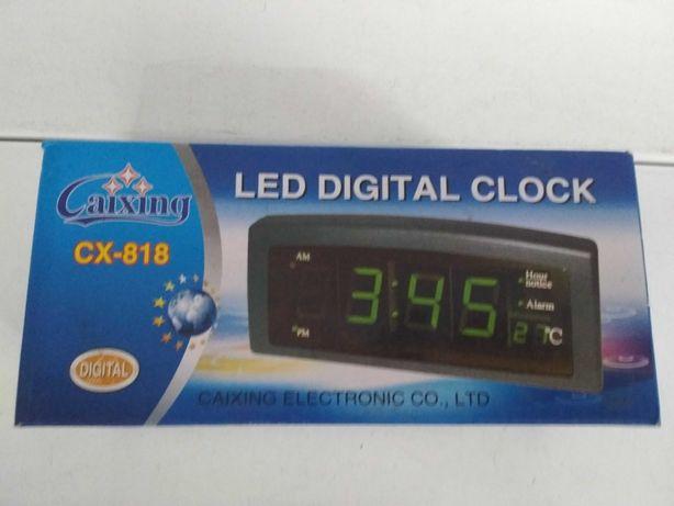 Настольные электронные сетевые LED часы-будильник Caixing CX-818