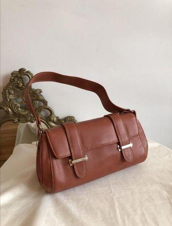 Стильная сумка багет терракотового цвета Esprit
