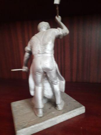 Figurka Kowala odlew żeliwny