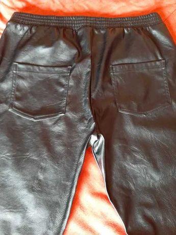 Calças  napa Calzedonia pretas tamanho L