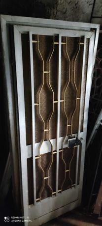 Porta de alumínio e vidro texturado