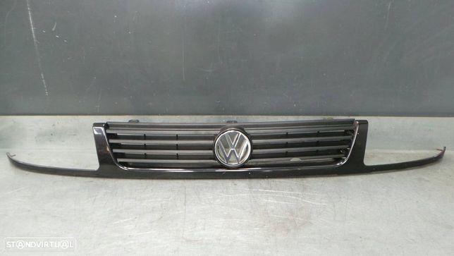 Grelha Volkswagen Polo Classic (6V2)