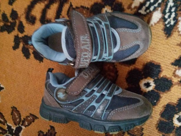 Зимові черевики,кросівки