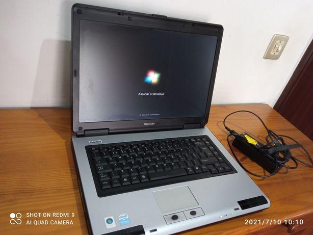 Computador portátil Toshiba L40