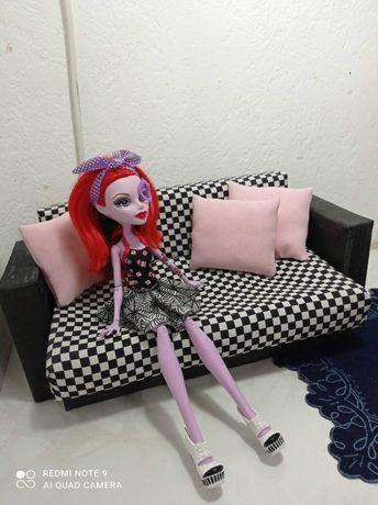 Диван для кукол игрушечный. Монстер хай, Барби. Раскладной. Постельное
