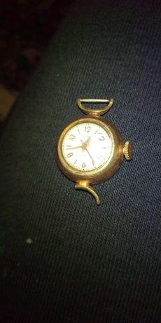 Продам позолоченные часы