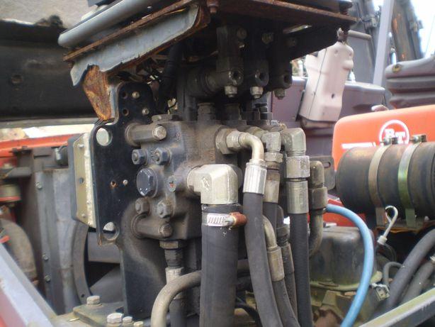 rozdzielacz hydrauliczny wózek widłowy Toyota BT
