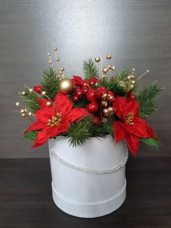 Świąteczny flowerbox sztuczne kwiaty